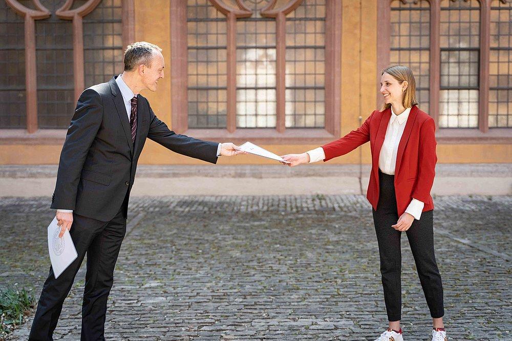 Frau deutschlands w größte caroline Größte Frau